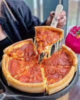 Top 5  Địa chỉ thưởng thức pizza ngon quên lối về ở Bình Dương