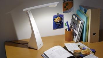 Top 5  mẫu đèn bàn làm việc cho bàn làm việc tại nhà đầy cảm hứng